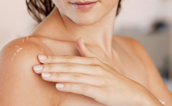 Dicas para evitar a acne no peito