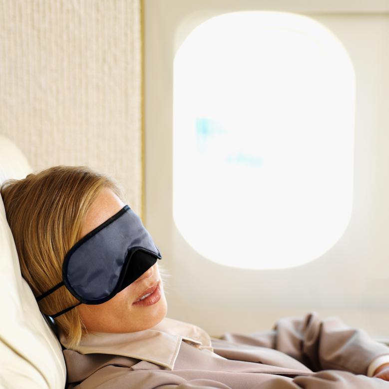 Dermatologista dá dicas para manter a pele bonita e saudável em viagens de avião