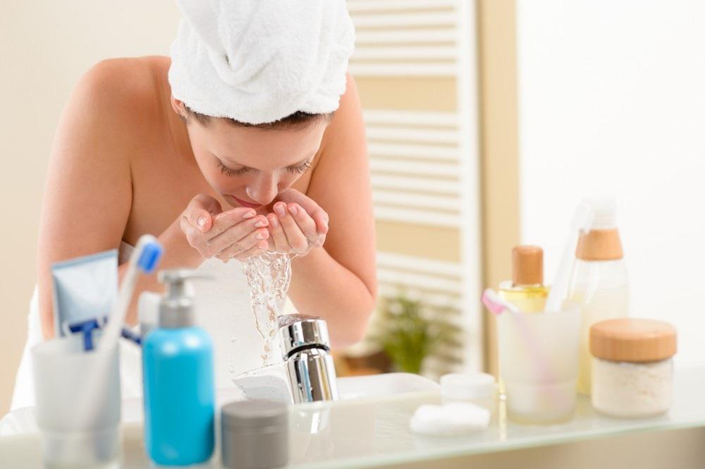 Aprenda a limpar sua pele com eficiência
